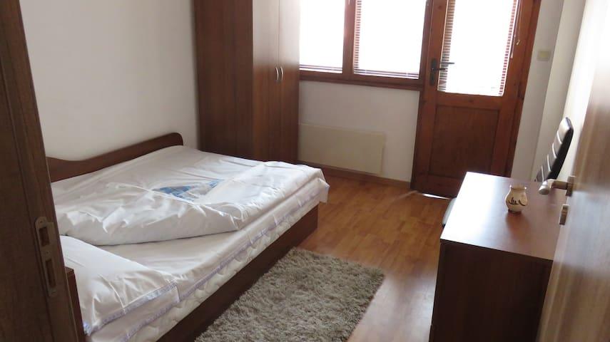 Cozy private room in Varna center <3