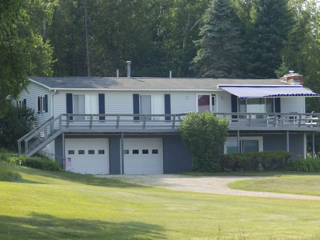 Lake Charlevoix, Boyne City-Cottage - Boyne City - บ้าน