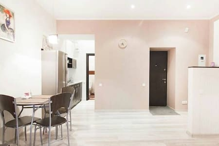 Cozy Apartment in the Center of the City - 敖德萨 - 公寓