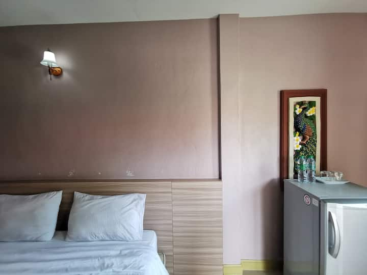 Affordable Minimalist Room at Smile Resort