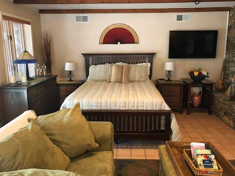Oaksteel Escape: Private apartment on 7 acres