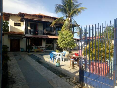 Casa com piscina e churrasqueira região dos lagos