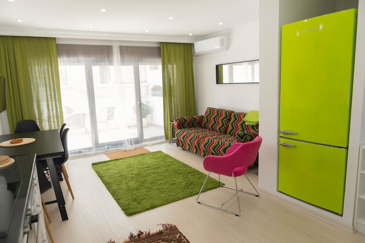 Cool & Brand New House for Groups at Taksim