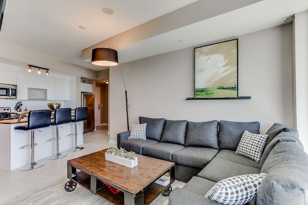 Master Suite In Stylish Condo With Incredible View Condominiums For Rent In Toronto Ontario