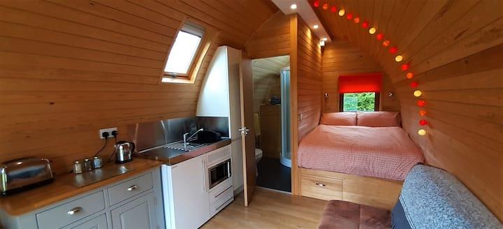 Wren - Cosy, Contemporary Cabin with en-suite