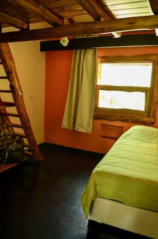Dormitorio niños con playroom
