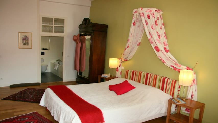 Luxury room with private roofterrace - Saint-Antonin-Noble-Val - Bed & Breakfast