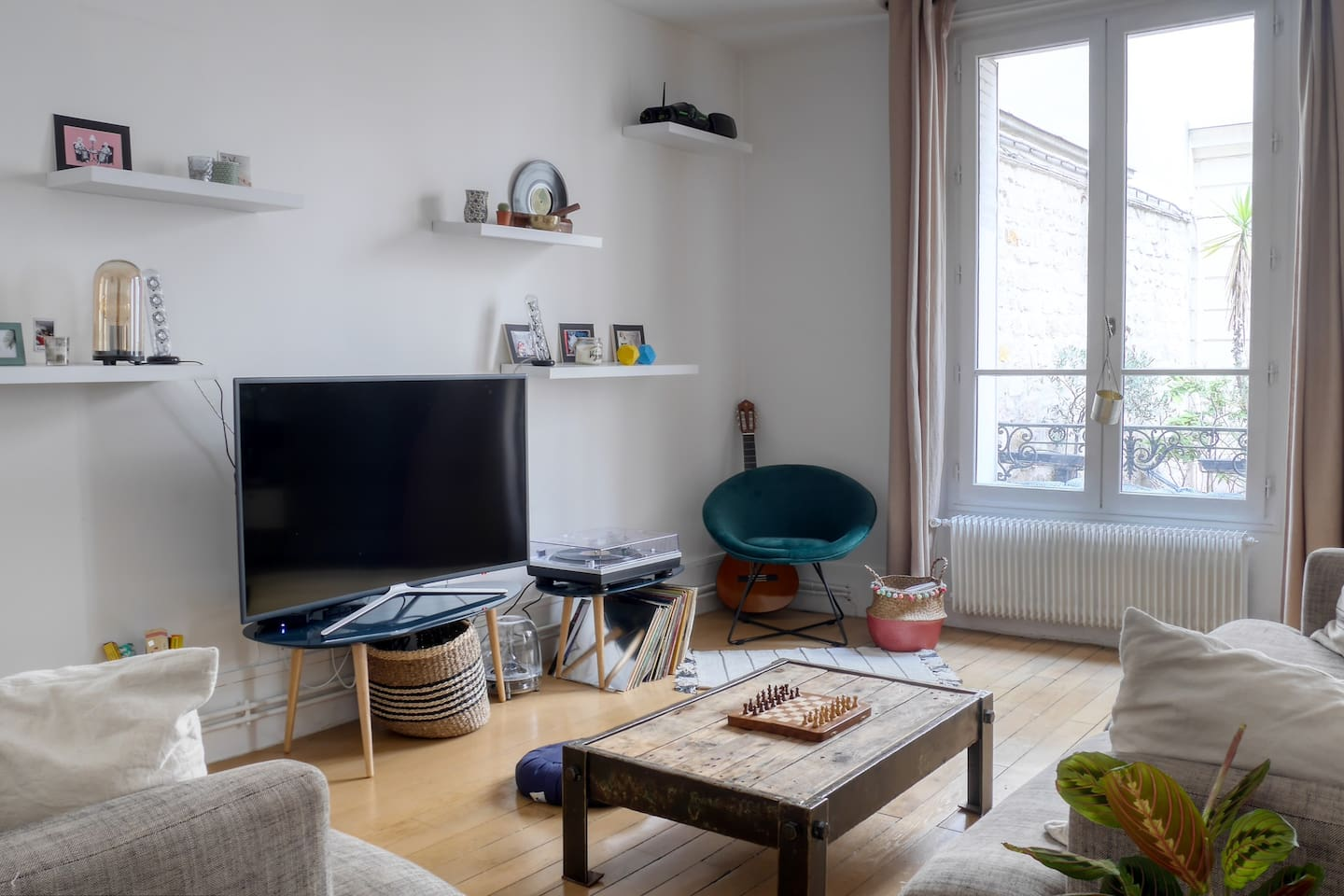 Welcome in our romantic Parisian nest !
