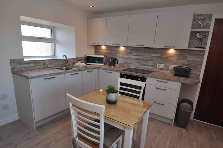 1 Lynn Cottage - self catering on edge of Kirkwall