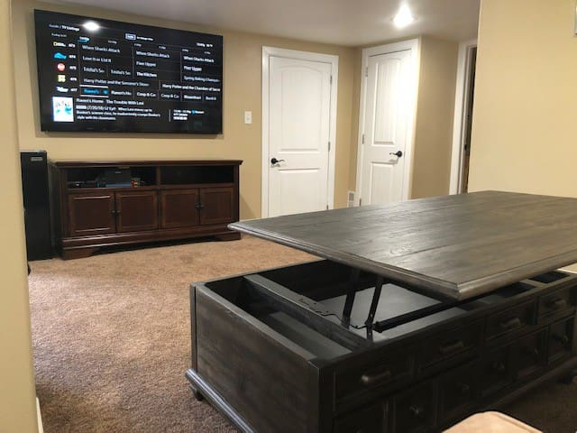 Lift-top table for work or dining ease, puzzles, games, books, Xfinity cable, Netflix, Movie Channels, Wifi, and more