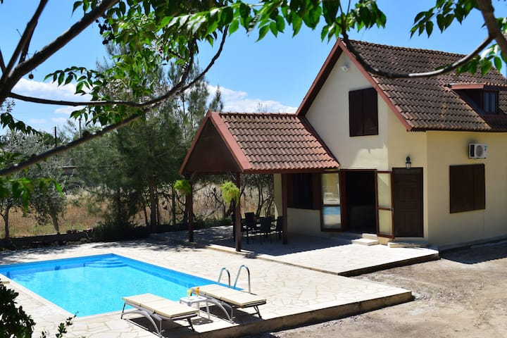 Tranquility cottage Agridi.