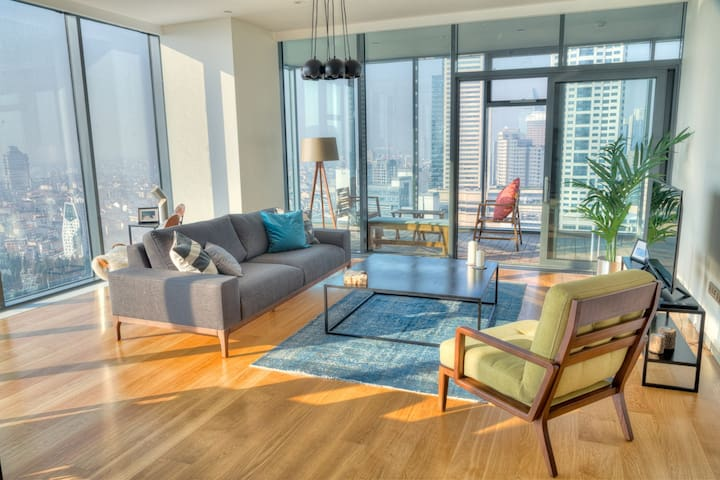 Central 2BR Residence with Sea View, Pool & Gym near Metro