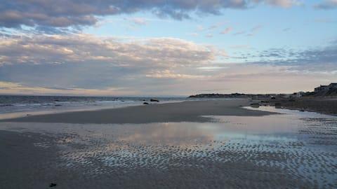 Priscilla Beach Cozy Cottage-5 min walk to beach!!