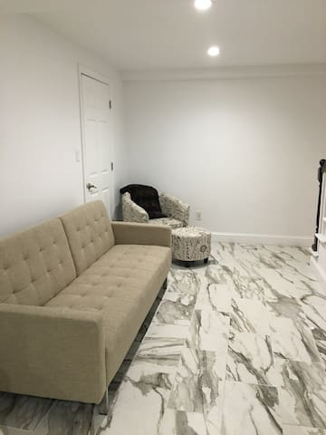 Cozy Basement in the Hamptons - Hampton Bays - Outro