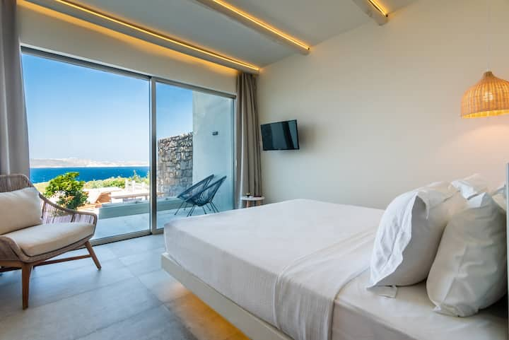 Superior room with sea view (Hotel Milos Resort)