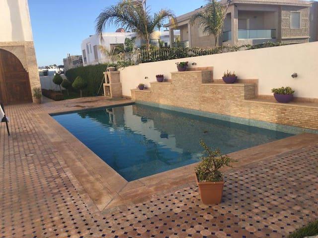 Beach side 3 Bedrooms Villa with Pool Ref: 1050 - Agadir - Villa