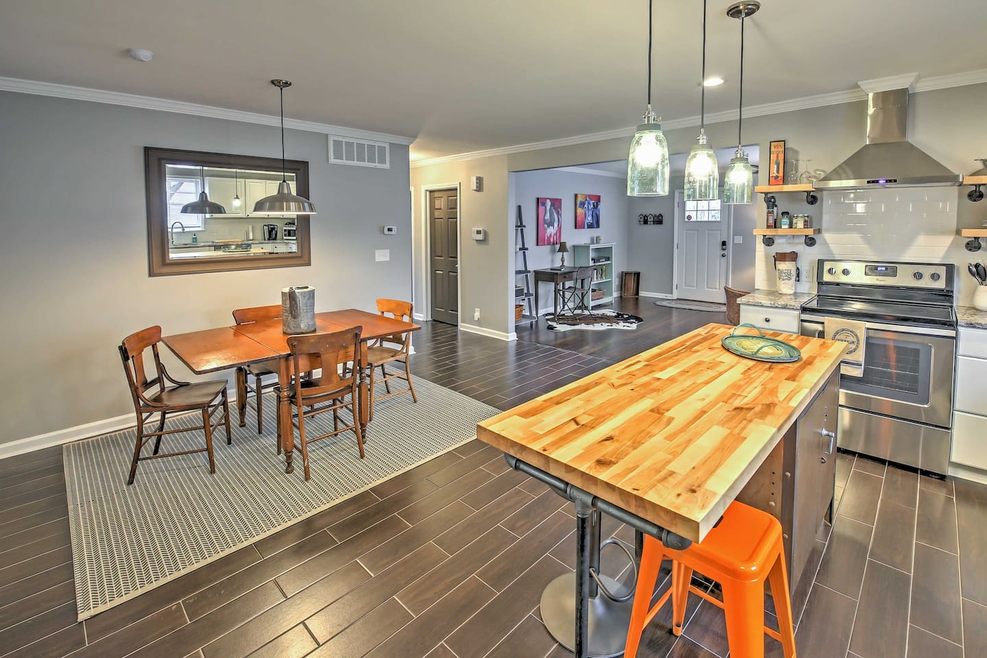This Greensboro vacation rental house is just 5 minutes from downtown.