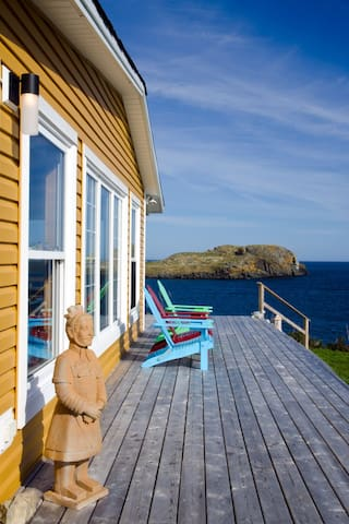 Whale Watcher House - Ferryland Studio Apartment - Tors Cove