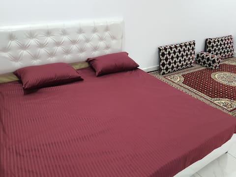 New furnished room floor B (parking by door)