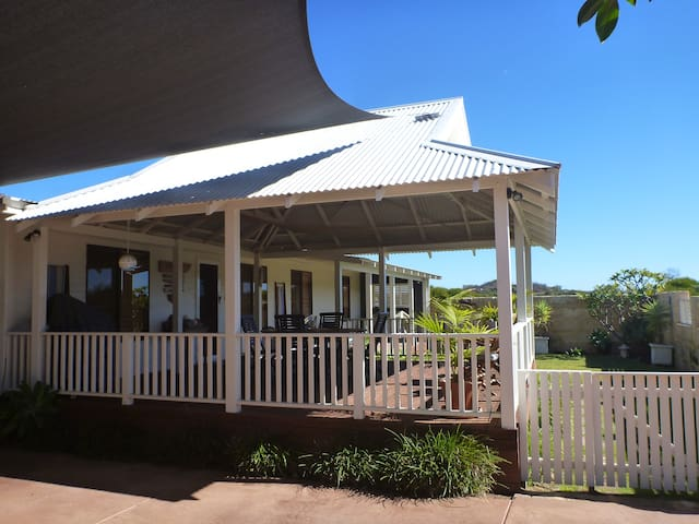 WaveBreak Beach House - Kalbarri - Casa