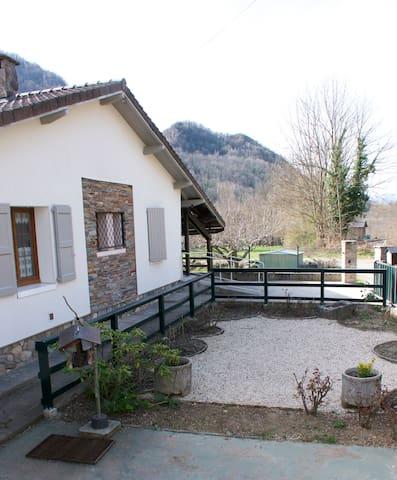 Maison dans  charmant petit village des Pyrénées