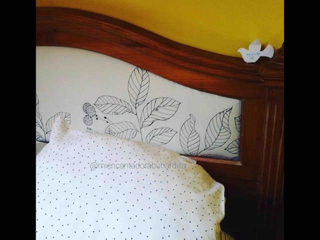 Detalle de habitación doble / Detail of double bed room