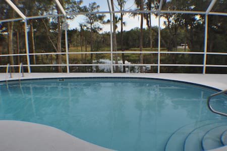 Family Fun / Gulf House Close to Orlando with Dock - Homosassa - Dům