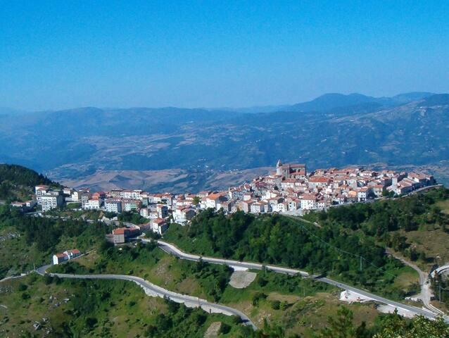 Tra relax ed avventura in un borgo antico