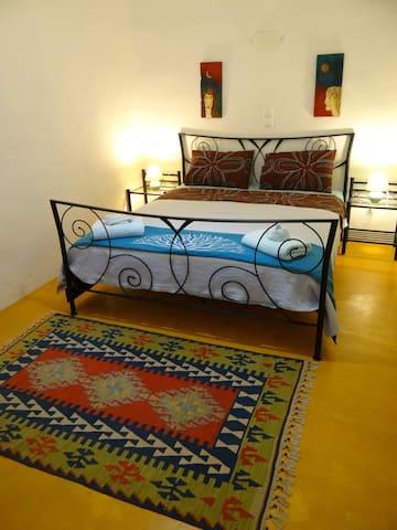 1st queen bedroom
