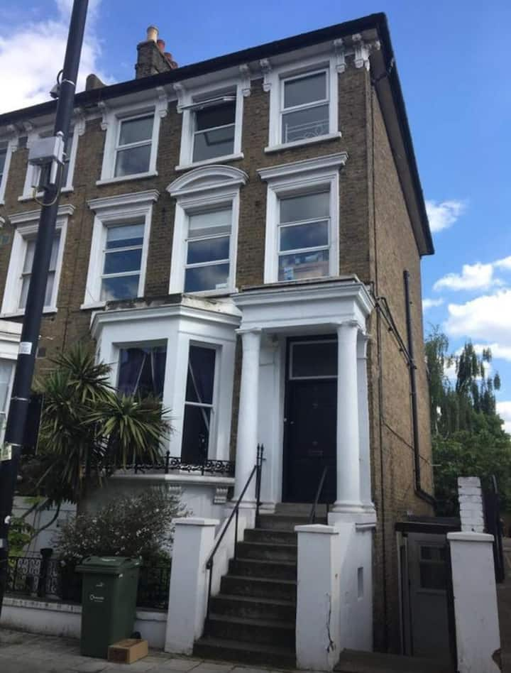 Shared House, Double Bedroom Available in Brixton