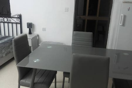 Studio Apartment with Private Bathroom and Kitchen - Rabat - Andere