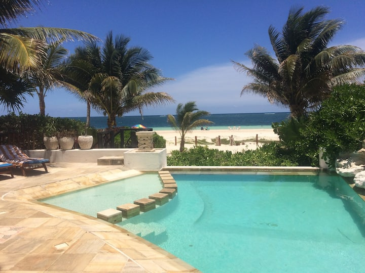 Magestic Beach front house in the Riviera Maya