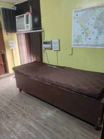 Karol Bagh metro station , single furnished room