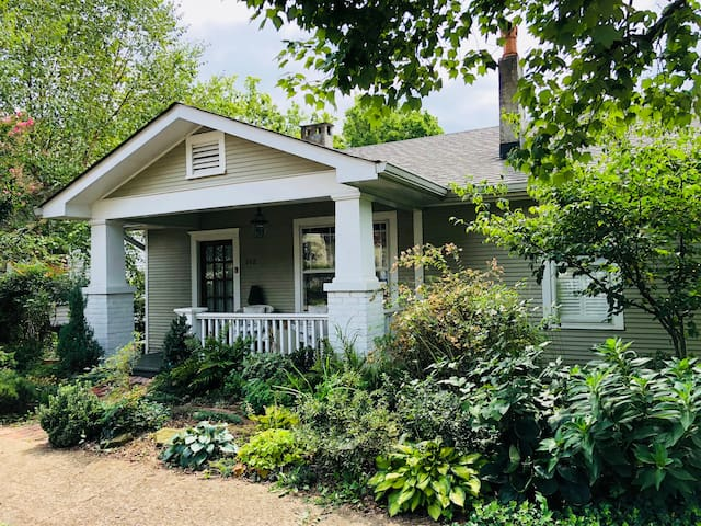 Downtown North Chatt Bungalow with 2 Bedrooms