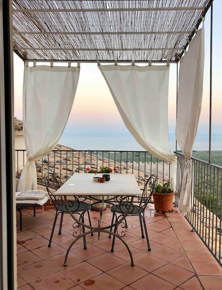 Apt with terrace, exclusive VILLA BASSO , Gargano