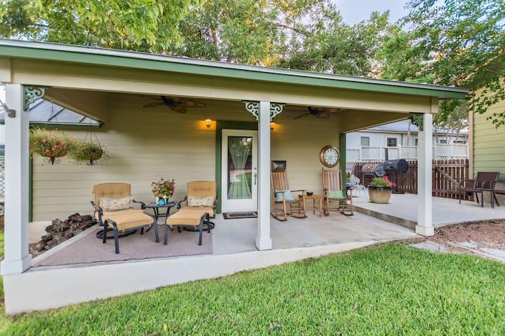 Agape Side Cottage