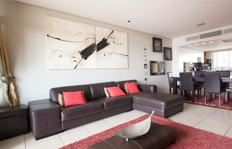 2 bed apartment walking distance from Waterfront - Cape Town