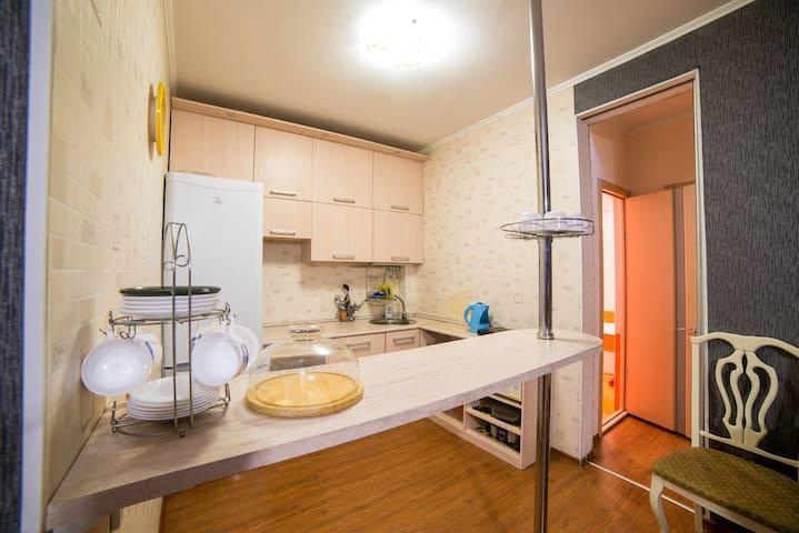 3-комнатная квартира, Смолина 54, посуточно - 烏蘭烏德 - 公寓