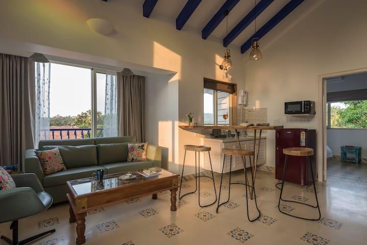 1 BR Luxury Suite w/ pool in Vagator, 301