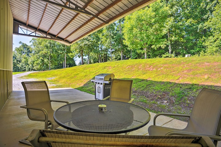 Spacious Gilbertsville Apt on Kentucky Lake w/Dock