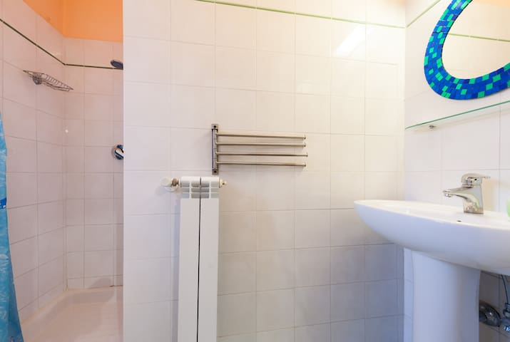 B&B Soggiorno Petrarca Room 2 - Bed and breakfasts for Rent in ...