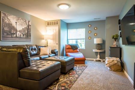 4 Bed/4 Full-Bath apartment near WSU and WPAFB - Fairborn