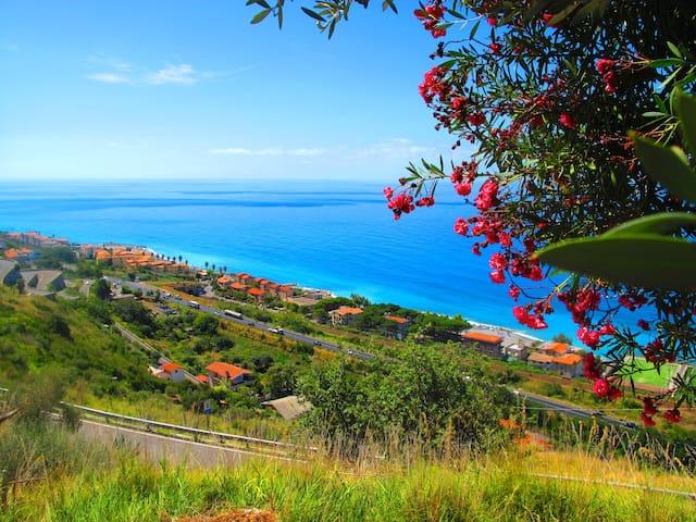Le Terrazze | Seaview villa in Acquappesa