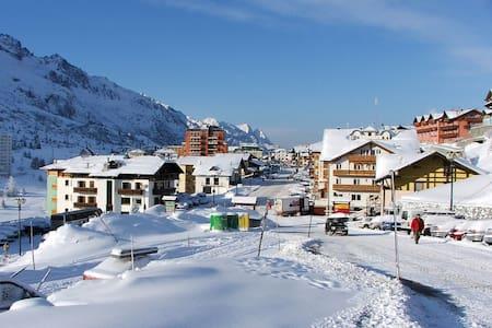 ⛄⛷️ Appartamento sulle piste da sci, con piscina