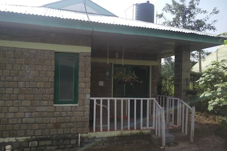 Tulip Cottage amidst fields at Nagri, Palampur - Kalond - Bungalow