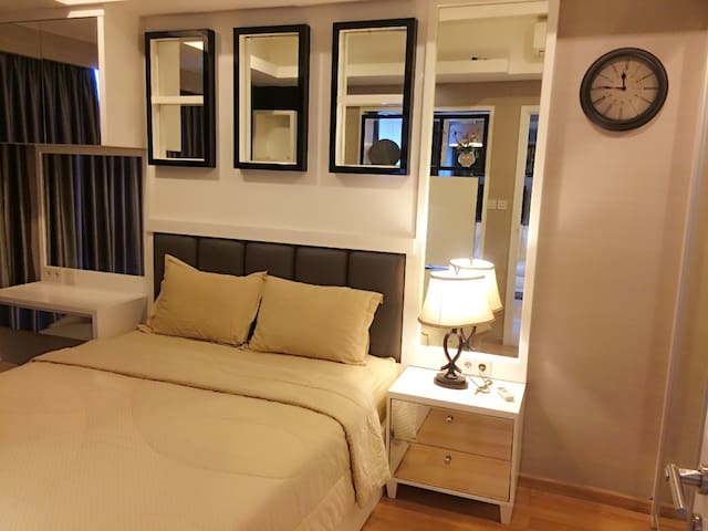 Apartment Casa Grande 1BR for rent Daily - Tebet - Byt