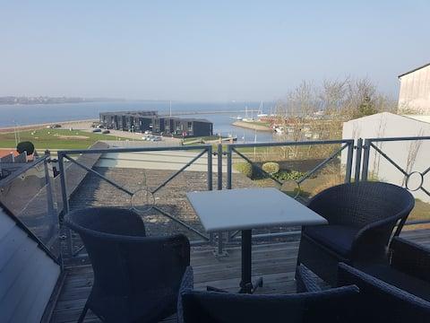 Hus med Struers dejlige udsigt over Limfjorden.