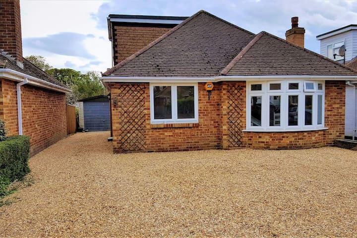 Lovely 6 bedroom bungalow available for Christmas