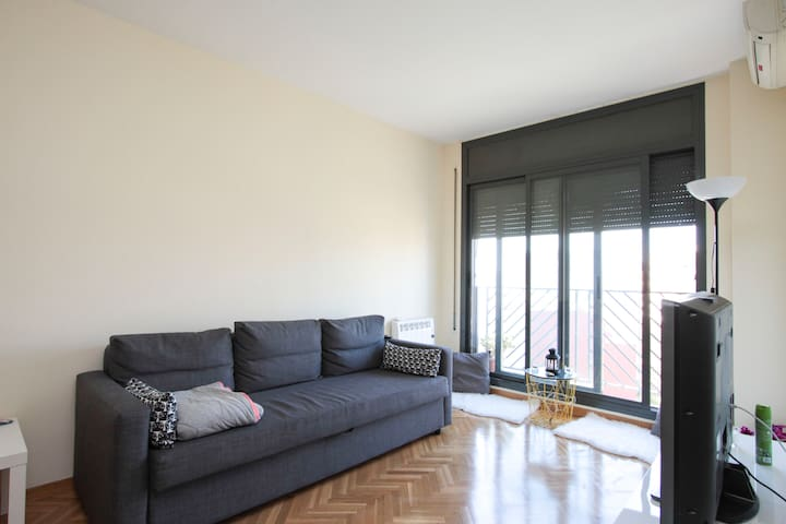 Cozy double room in modern apartment in La Campana - Barcelona - Appartement