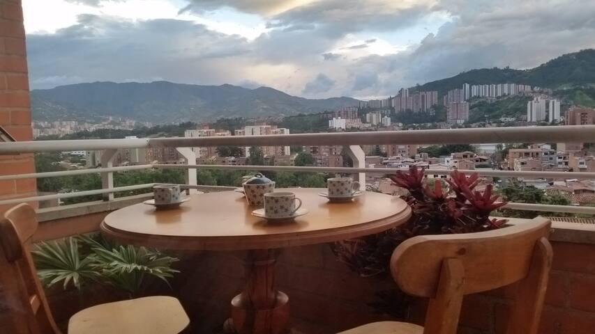 Confortable apartamento/2 hab/Excelente ubicación - Medellín - Wohnung
